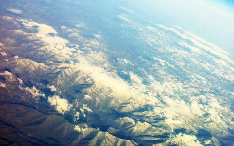 Smoky Mountains from an airplane window en route from Philadelphia to New Orleans. Great shot sent in by Tracy Antonioli at the Suitcase Scholar